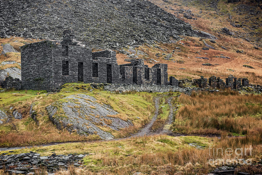 Slate Quarry Photograph - Old Ruin At Cwmorthin by Adrian Evans