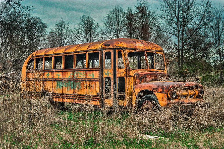 old-rusted-bus-rod-cuellar.jpg