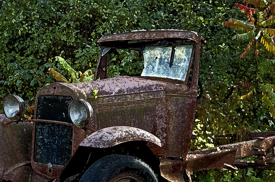 Trucks Photograph - Old Rusty by Ross Powell