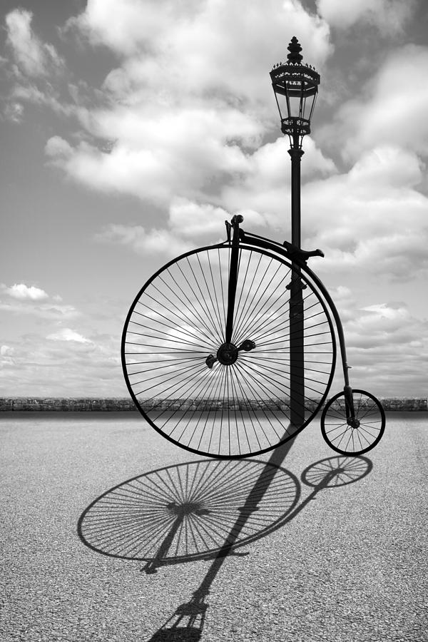 A Brass Replica of the Penny Farthing Original Bicycle Brass Hub Lamp –  Current sales – Barnebys.com