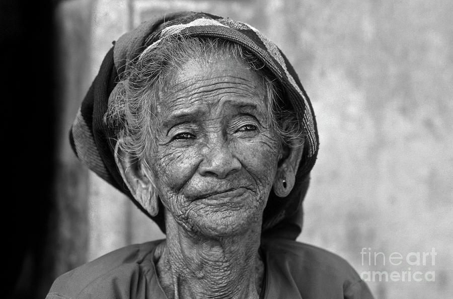 Old Vietnamese Woman by SILVA WISCHEROPP