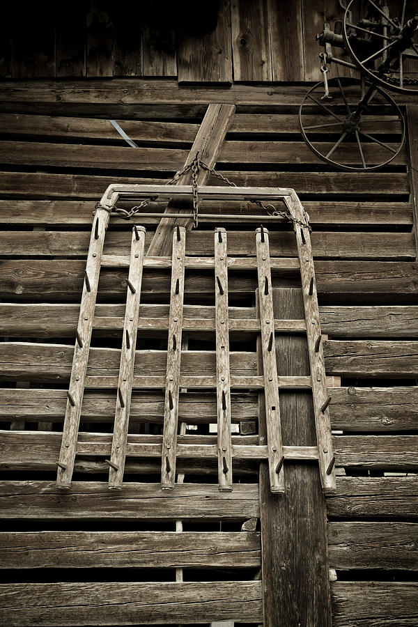 Barn Photograph - Old Wood Barn Detail by Frank Tschakert
