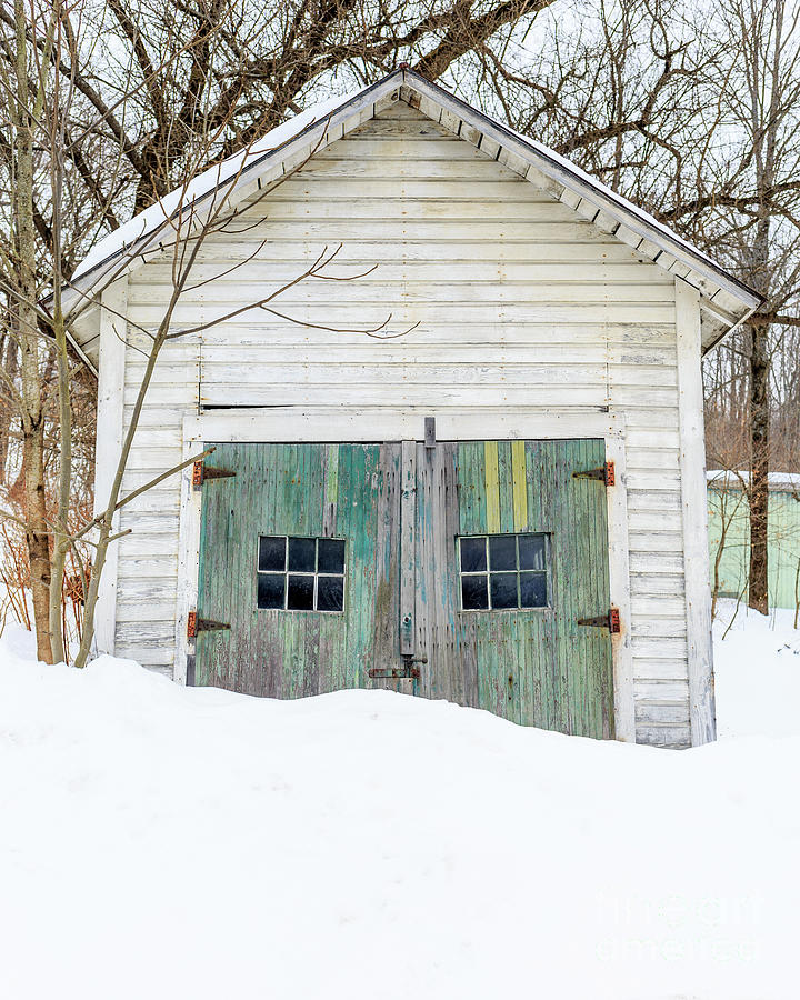 Vermont Photograph - Old Wooden Garage In The Snow Woodstock Vermont by Edward Fielding