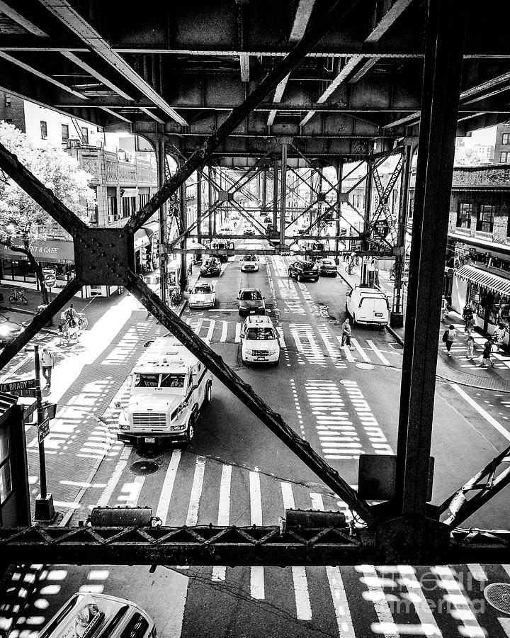 On The Go In Queens, Ny Photograph by JMerrickMedia