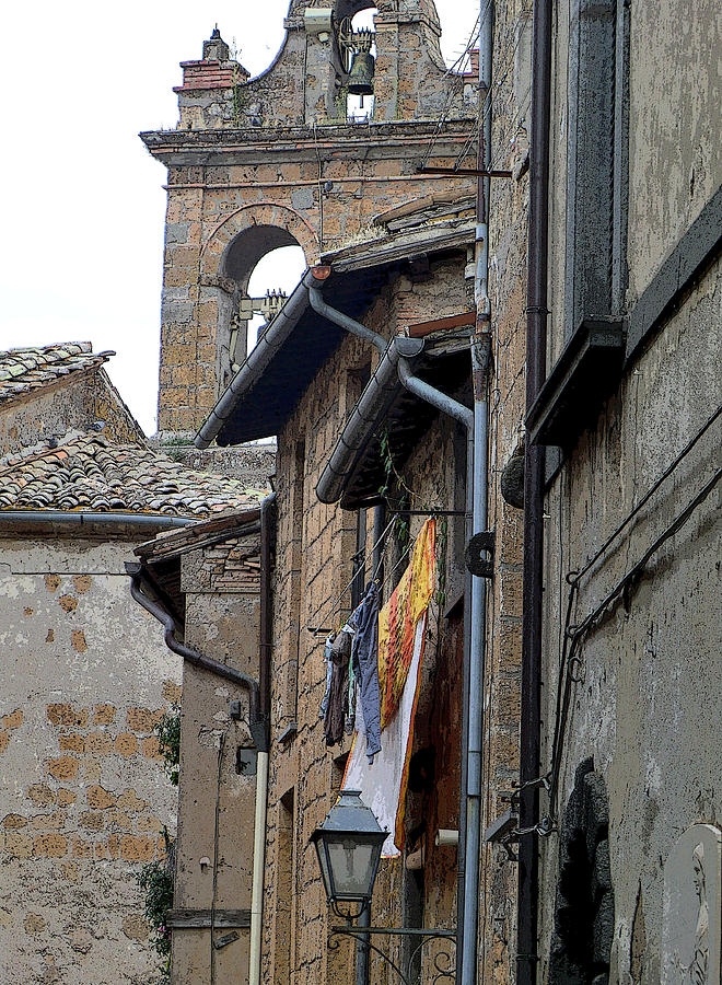 Italy Photograph - Orvieto Laundry by Mindy Newman