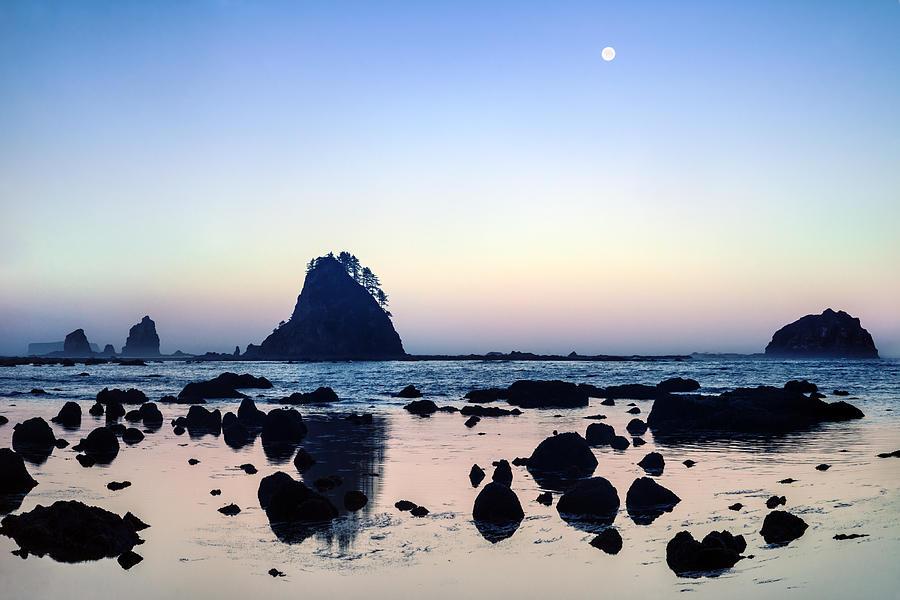 Moon Photograph - Pacific Moonset by Geoffrey Ferguson