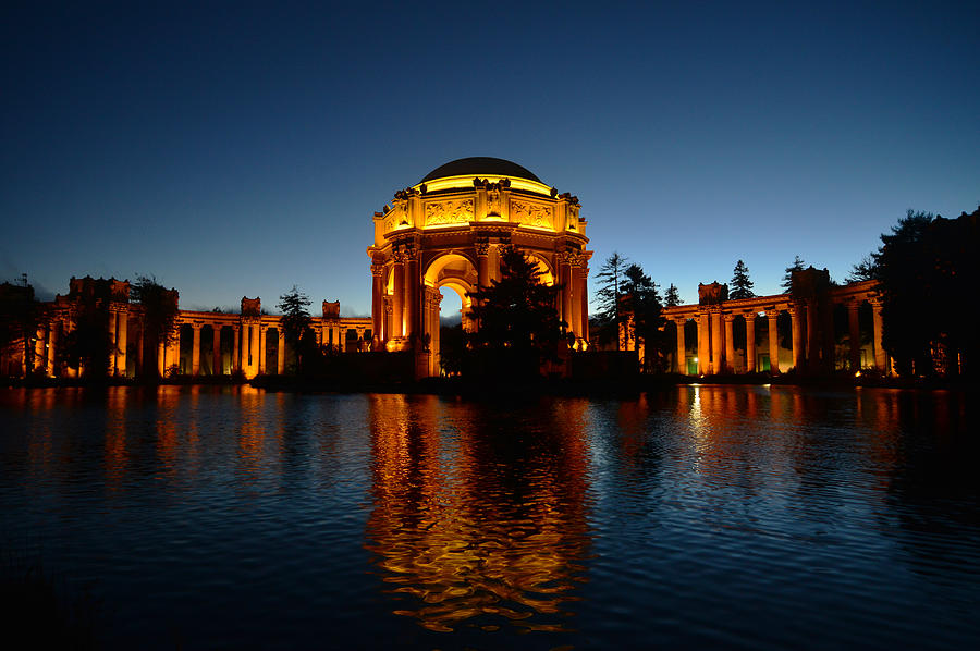 Palace of Fine Arts 2 by Dragan Kudjerski