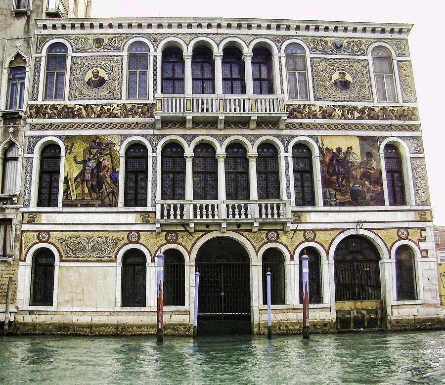 Palazzo Photograph - Palazzo Barbarigo by Phyllis Taylor