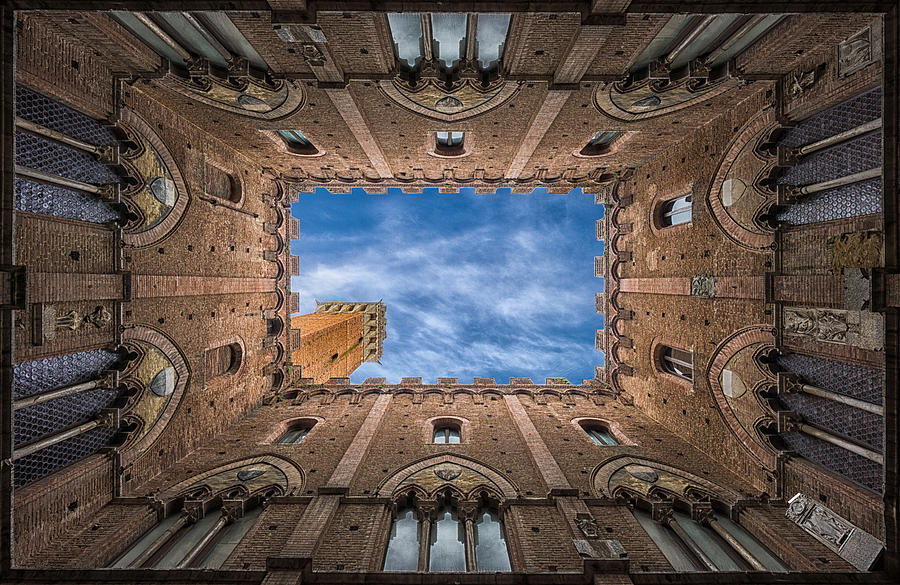 Architecture Photograph - Palazzo Pubblico - Siena - Nv by Frank Smout Images
