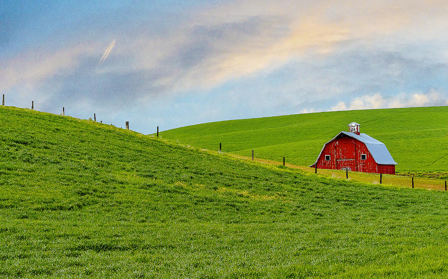 Palouse Photograph - Palouse Barn by John Willy