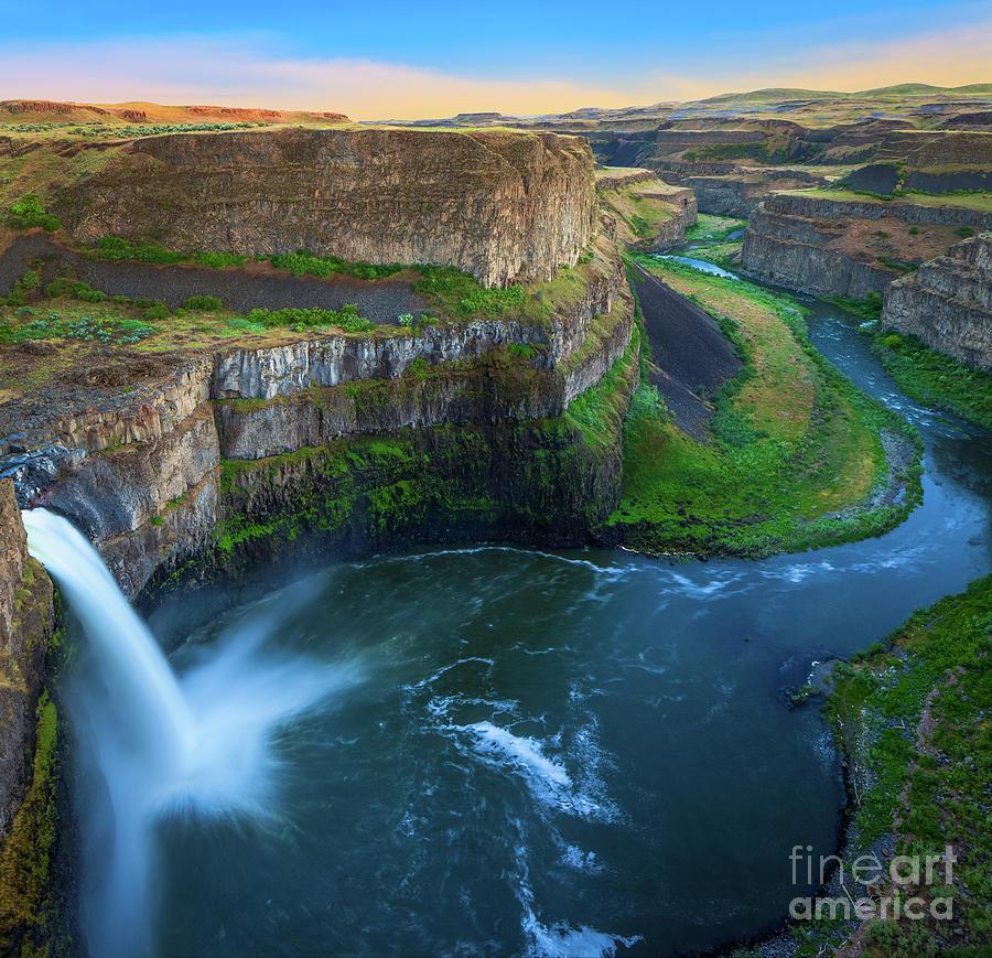 America Photograph - Palouse Falls Pool by Inge Johnsson