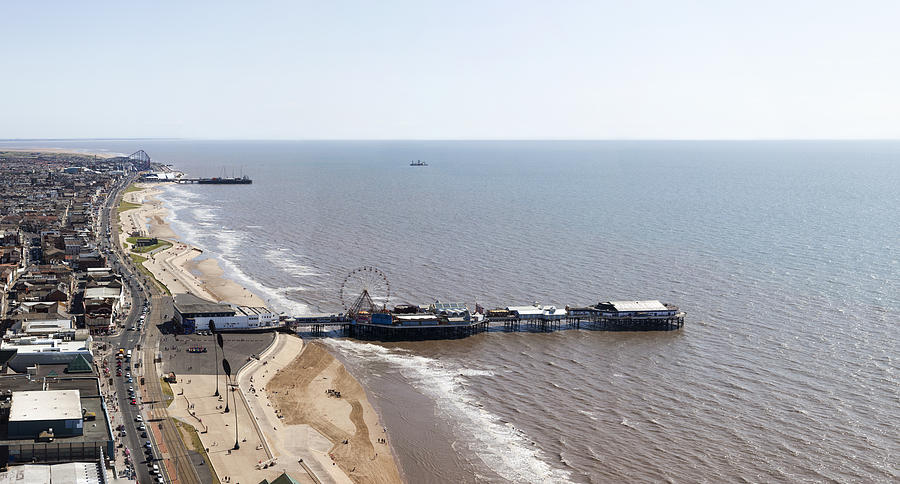 Blackpool Photograph - Panorama Of Blackpool Beach by Gillian Dernie