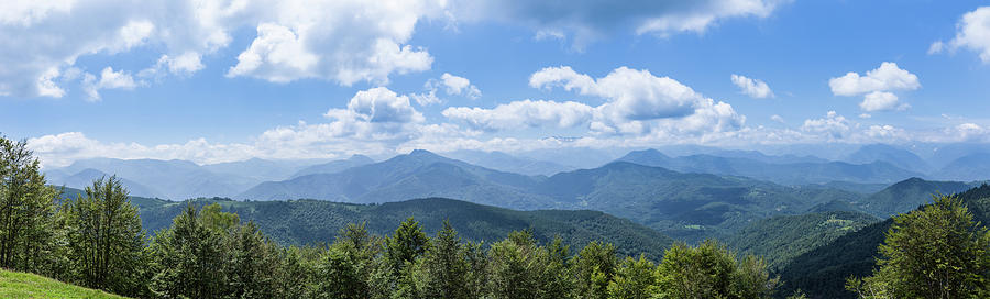 Panorama of the foothills of the Pyrenees in Biert by Semmick Photo