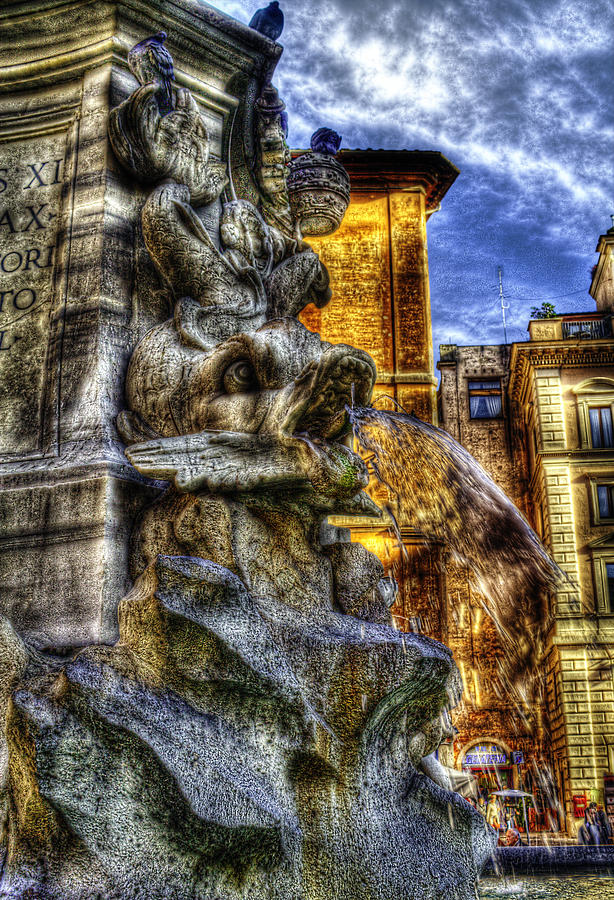 Rome Photograph - Pantheon Fish by Brian Thomson