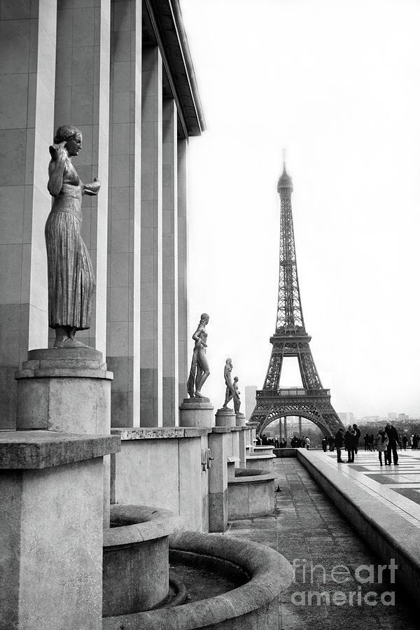 Paris Eiffel Tower Trocadero Gilded Statues Black And White Print Paris Eiffel Tower Home Decor Photograph By Kathy Fornal