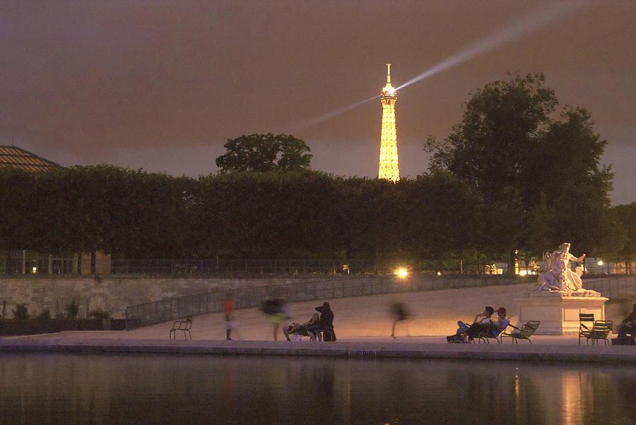 Paris Photograph - Paris Evening by Milan Mirkovic