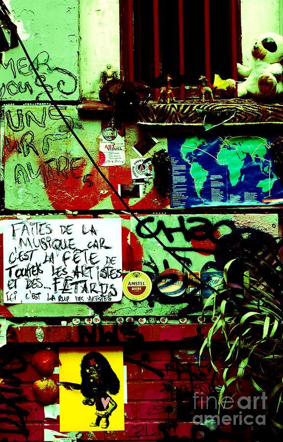 Graffiti Photograph - Paris Graffiti by Louise Fahy