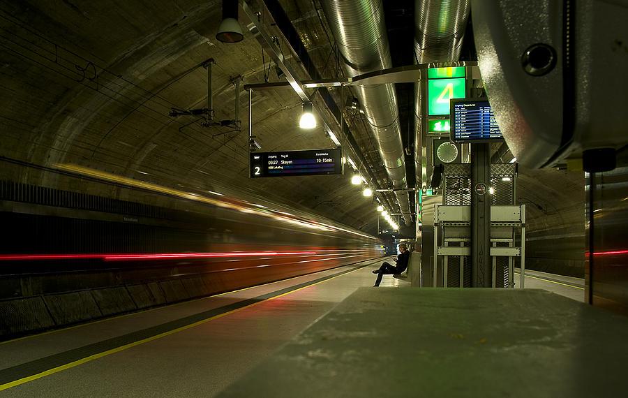 Metro Photograph - Passing Through by Gareth Davies