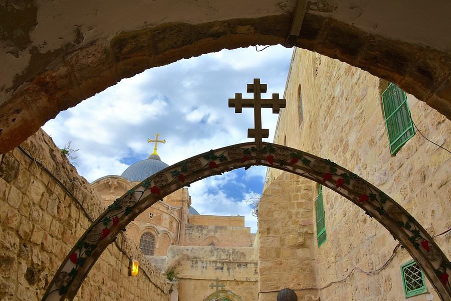 Church Of Holy Sepulcher Photograph - Pathway To The Cross by Barbara Stellwagen