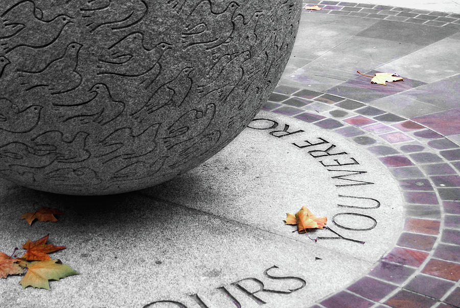London Photograph - Peace Memorial by JAMART Photography