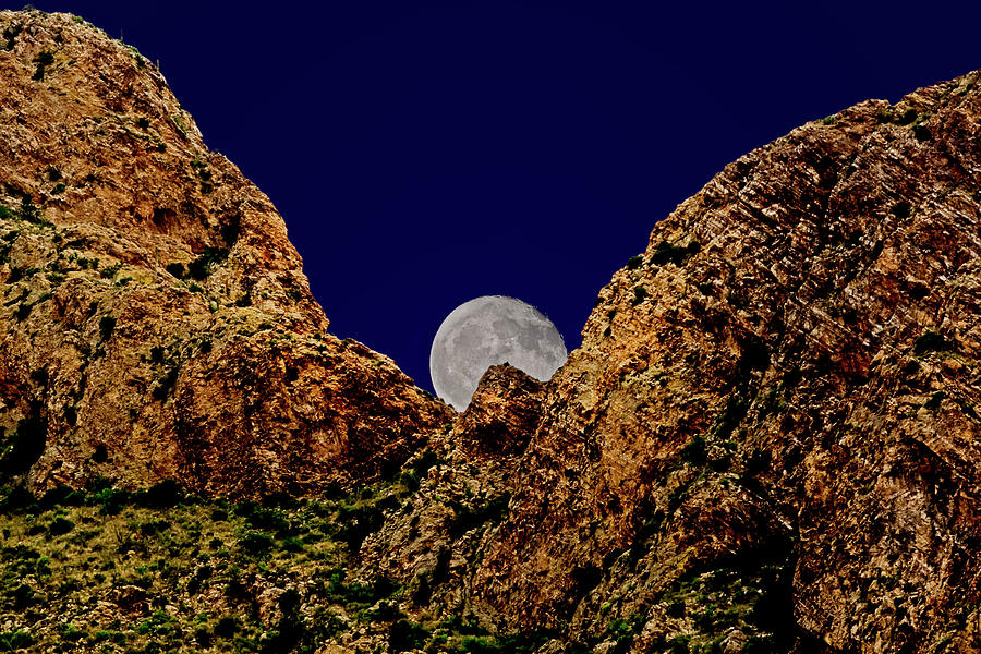 Peak Full Moon H03 Photograph