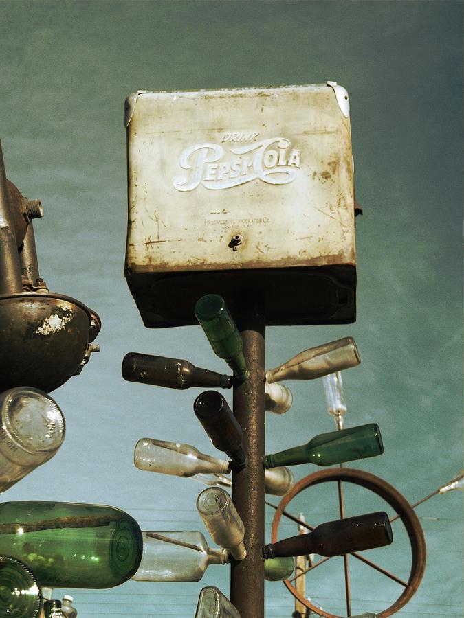 Glenn Mccarthy Photograph - Pepsi Bottle Tree - Route 66 by Glenn McCarthy Art and Photography