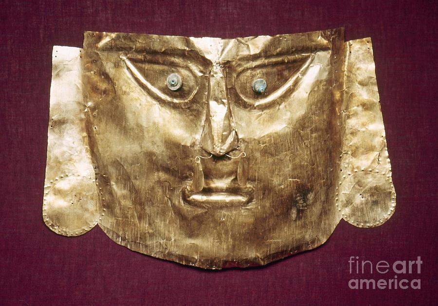 13th Century Photograph - Peru: Chimu Gold Mask by Granger