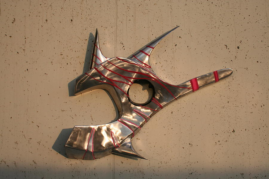 Air Brush Sculpture - Pesce Chiave by Oreste Minini