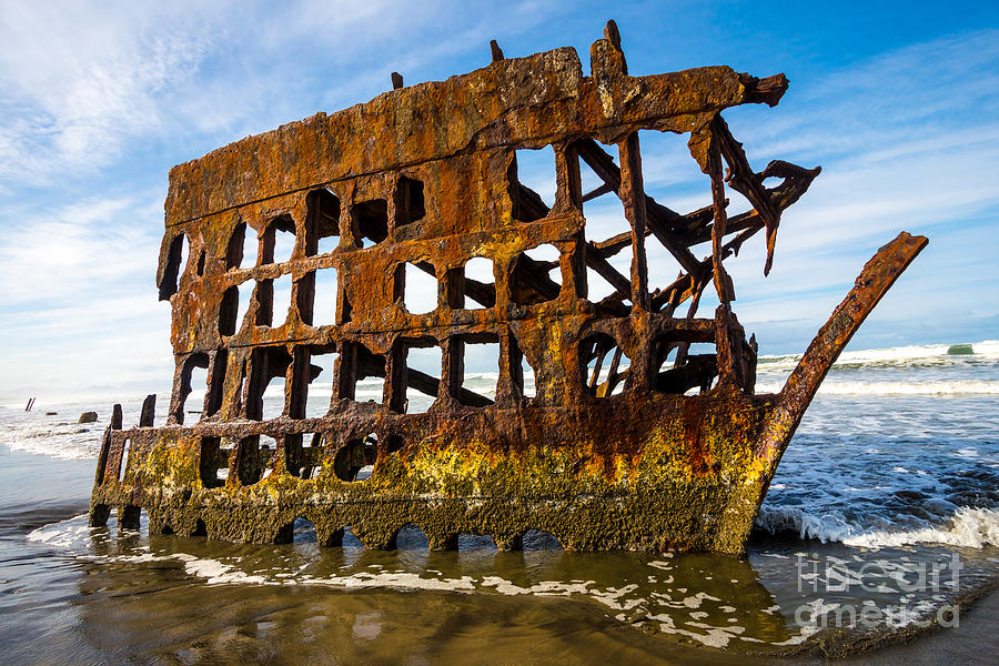 Peter Iredale Photograph - Peter Iredale Shipwreck - Oregon Coast by Gary Whitton