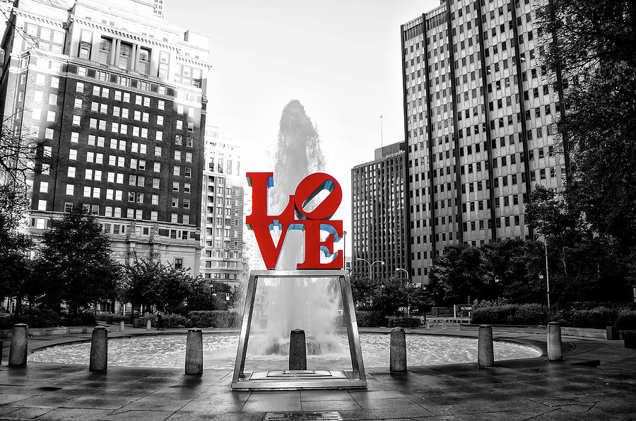 Philadelphia Photograph - Philadelphia - Love Statue - Slective Coloring by Bill Cannon