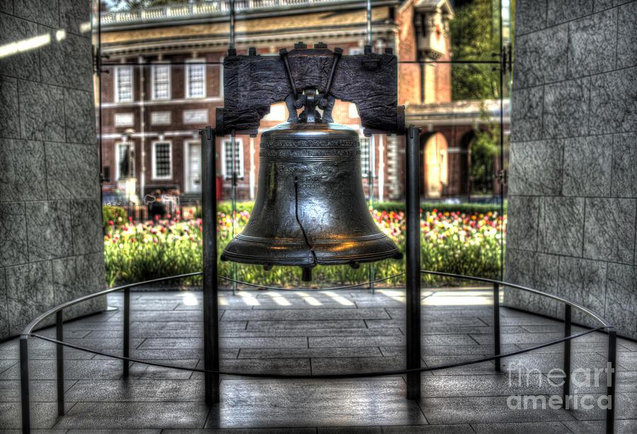 Ben Photograph - Philadelphias Liberty Bell by Mark Ayzenberg