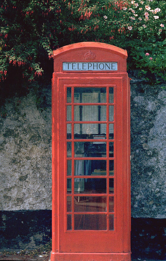 Great Britain Photograph - Phone Booth by Flavia Westerwelle