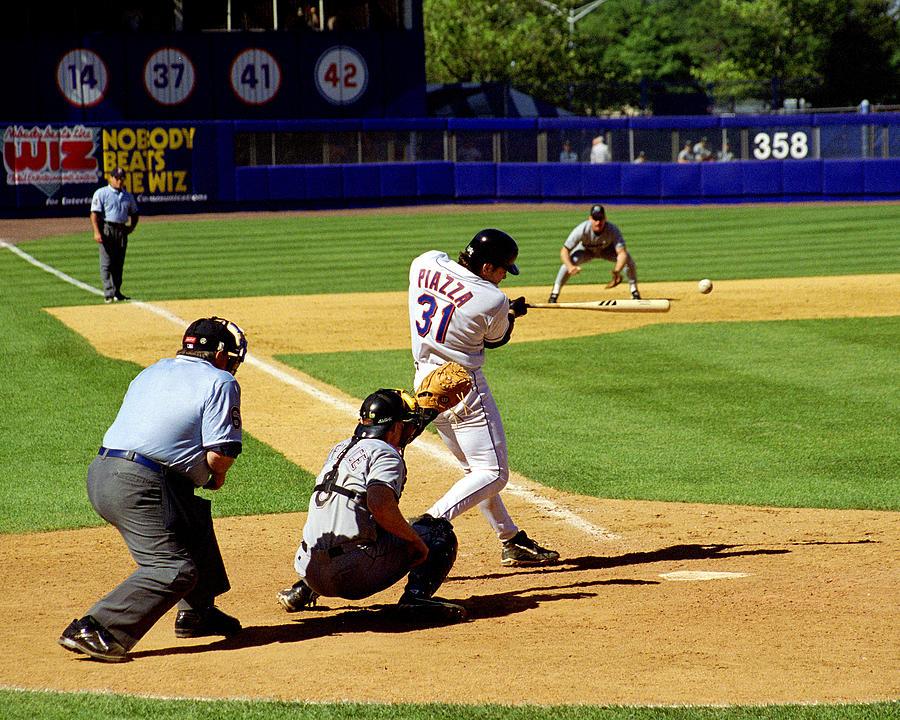 Baseball Photograph - Piazza 98 by Steven Sachs