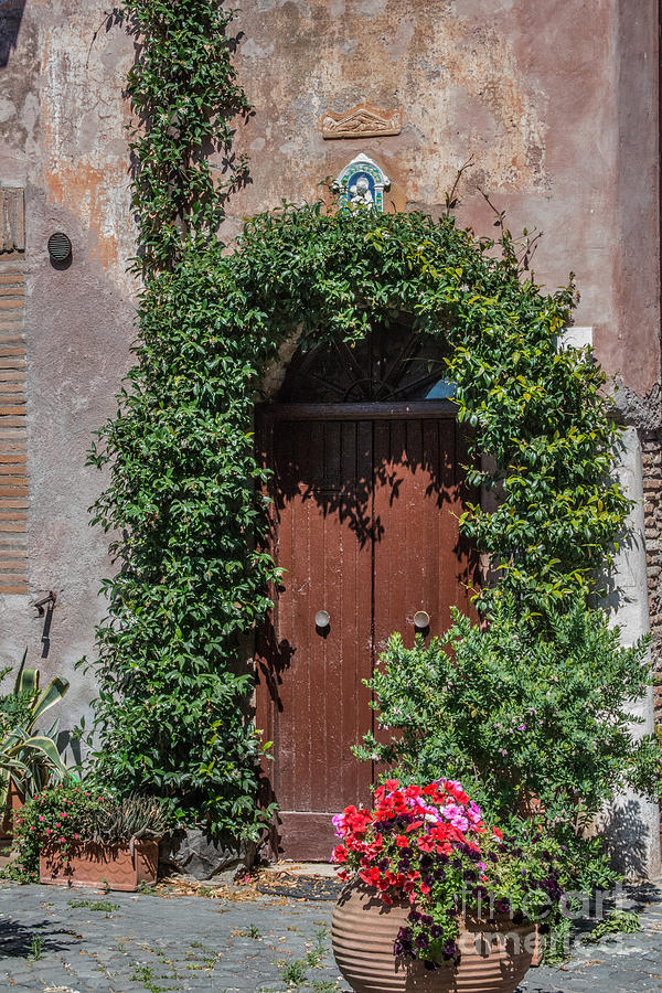 Chryse Photograph - Piazza Della Rocca by Joseph Yarbrough