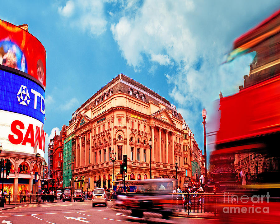 Piccadilly Photograph - Piccadilly Circus London by Chris Smith