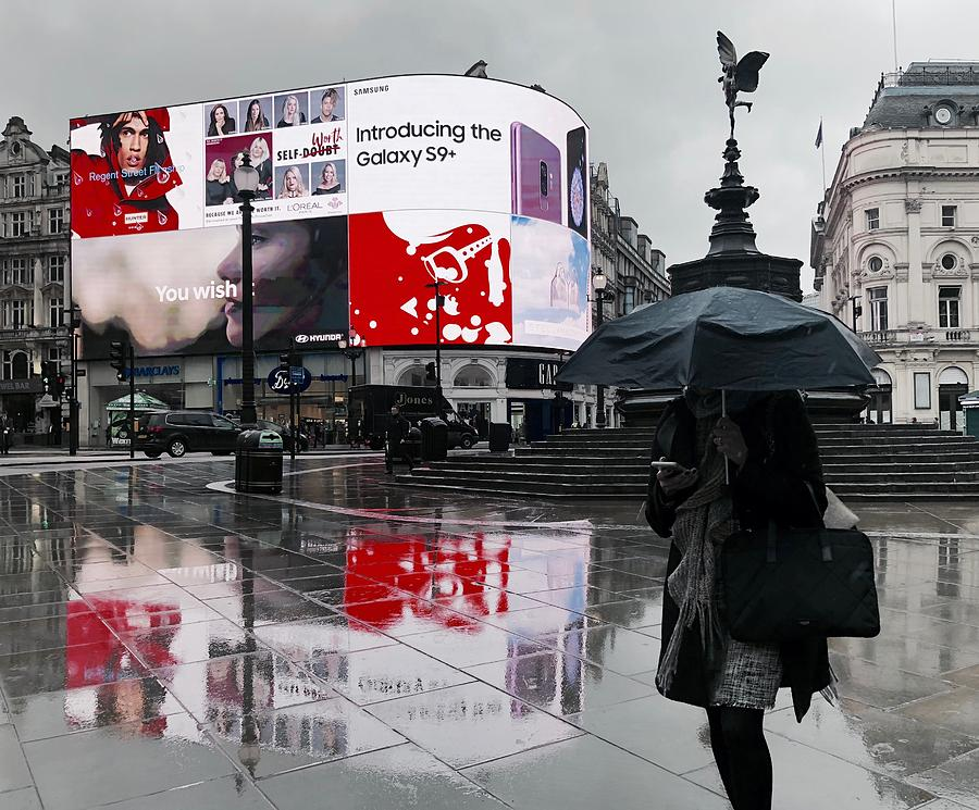 London Photograph - Piccadilly In The Rain by Anna Neuprandt