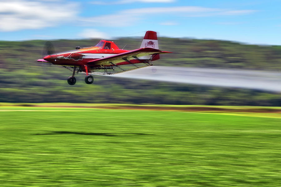 Crop Duster Photograph - Picking It Up And Putting It Down - Crop Duster - Arkansas Razorbacks by Jason Politte