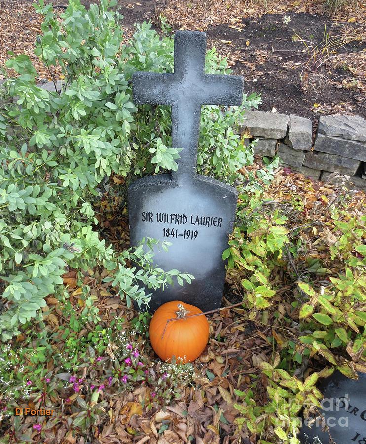 Pierre tombale sir wilfrid laurier 1841 1919 - Pierre tombale halloween ...