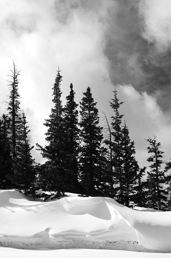 Black And White Photograph - Pikes Peak Winter No.105 by Ernie Ferguson