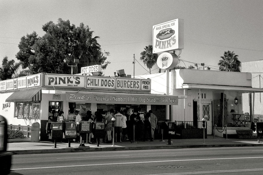 Pinks hot dogs photograph pinks hot dog stand los angeles photography black and