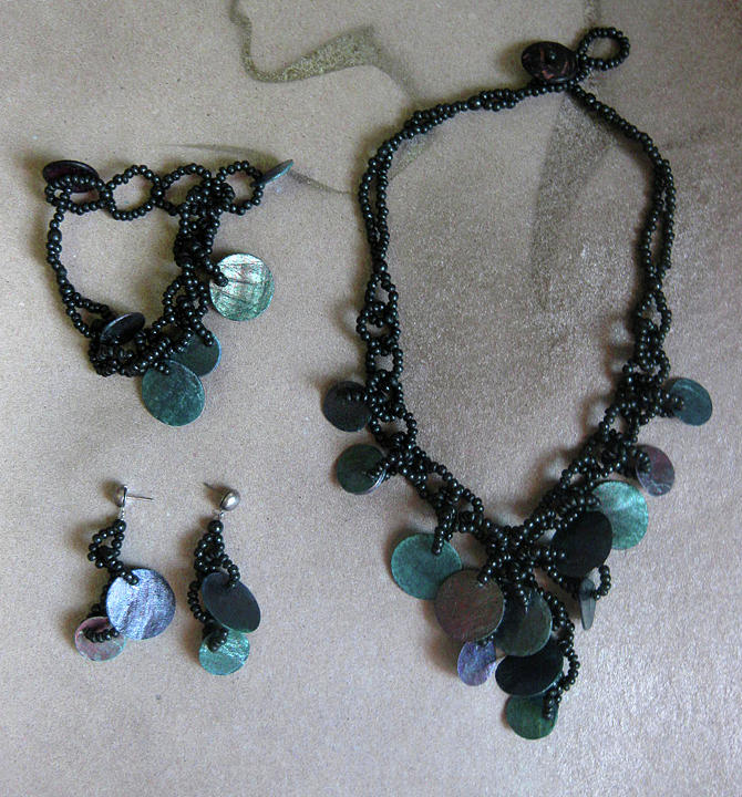 Necklace Jewelry - Pinococo 11-392 Green by Lyn Deutsch