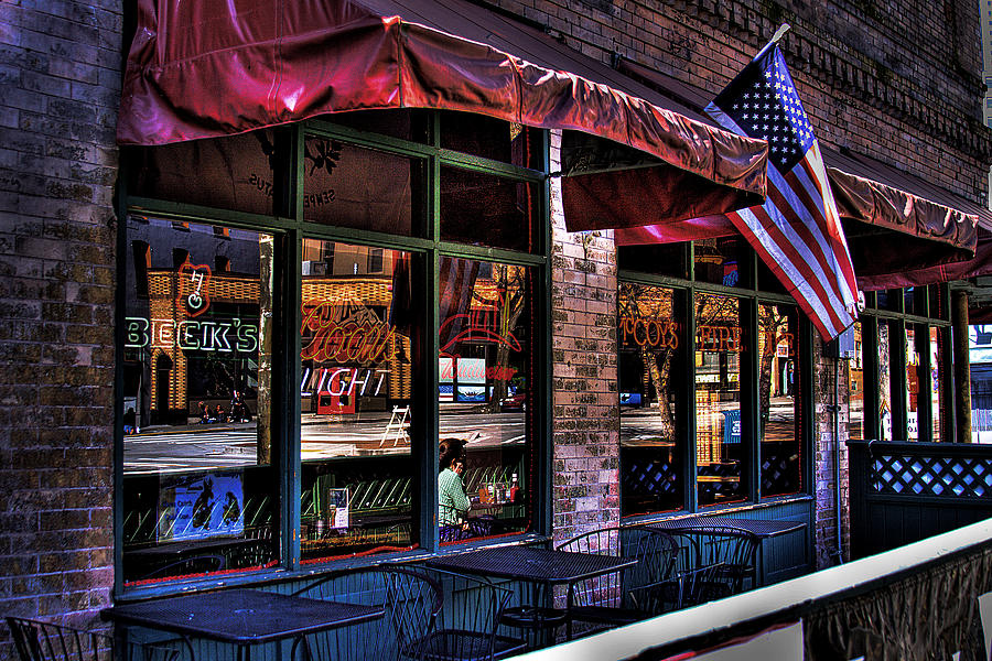 Pioneer Square Photograph - Pioneer Square Tavern by David Patterson