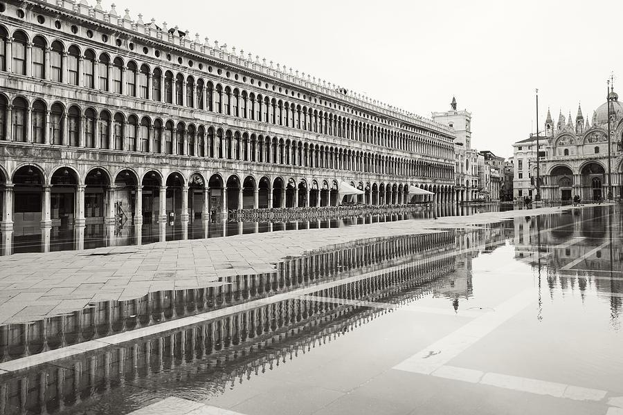 portici nell'acqua 2130x by Marco Missiaja