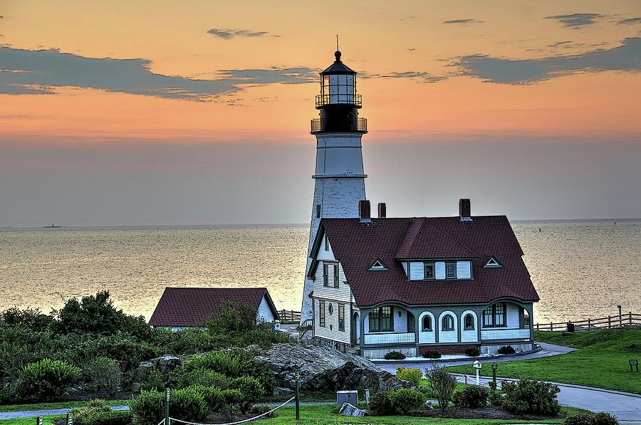Lighthouse Photograph - Portland Head Lighthouse At Daybreak 2 by Liz Mackney