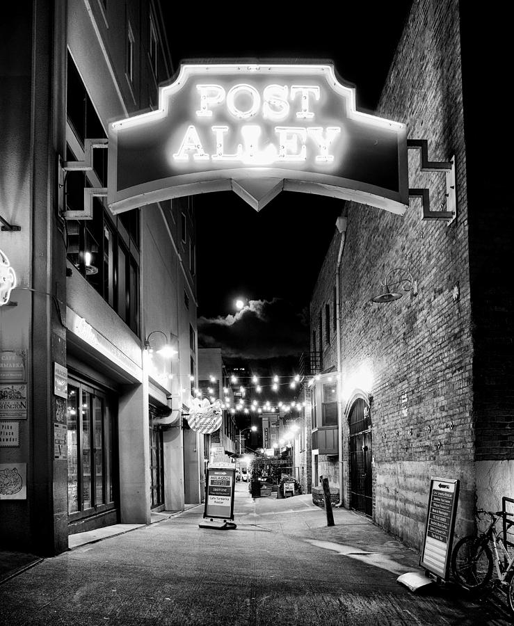 Seattle Photograph - Post Alley by Tanya Harrison