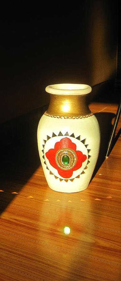 Sunlight On Pot Ceramic Art - Pot With Glass Work by Xafira Mendonsa