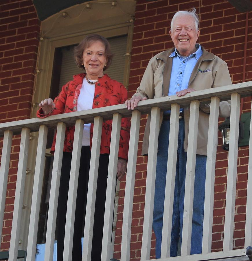 President and Mrs Carter on Plains Inn balcony by Jerry Battle