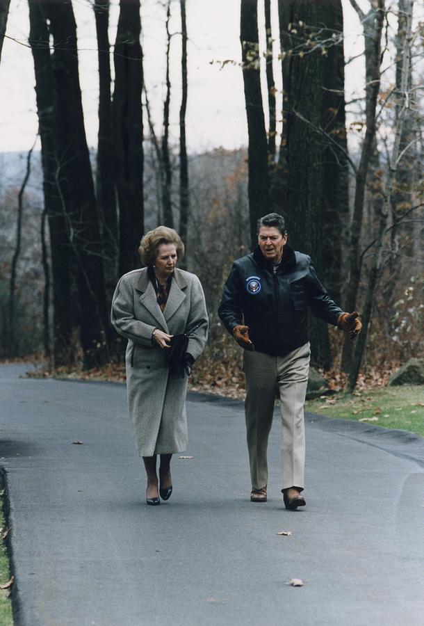 History Photograph - President Reagan Walking by Everett