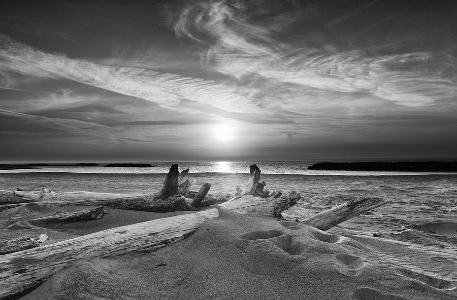 Presque Isle Pa Sunset In Black And White Photograph By Mark Hammerstein