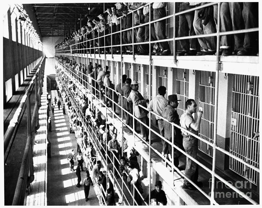 1954 Photograph - Prison: San Quentin, 1954 by Granger